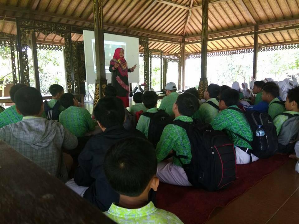 Bukan Kampung Biasa: Kampung Wisata Bisnis Tegalwaru